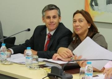 Cxli denuncia las largas colas en la oficina de atenci n for Oficina de atencion al ciudadano