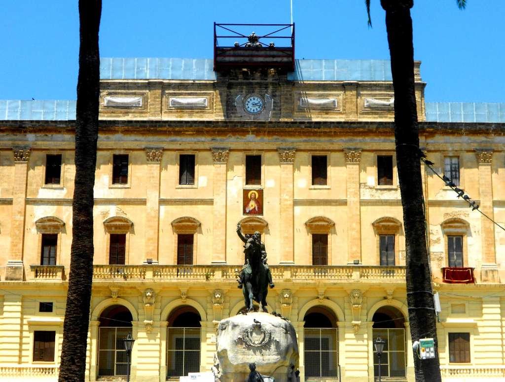 El ayuntamiento cede el azulejo del sagrado coraz n de la for La casa del azulejo san francisco